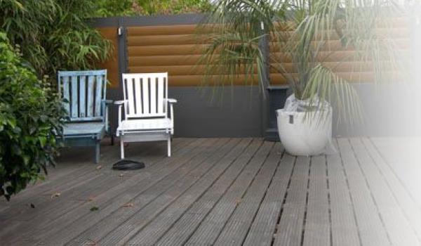 Avec une clôture en aluminium de Verano, vous créez un superbe jardin. La protection vous offre l'intimité et la tranquillité pour profiter de votre temps libre dehors. Grâce au look sobre et aux possibilités de variations uniques, vous donnez un cachet personnel à votre jardin.